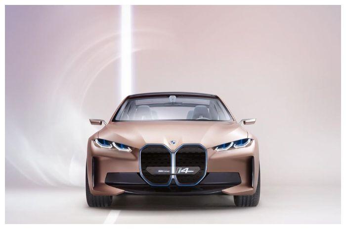 BMW i4 grille