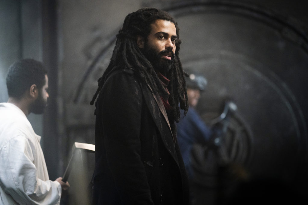 Snowpiercer follows the story of a post apocalyptic world