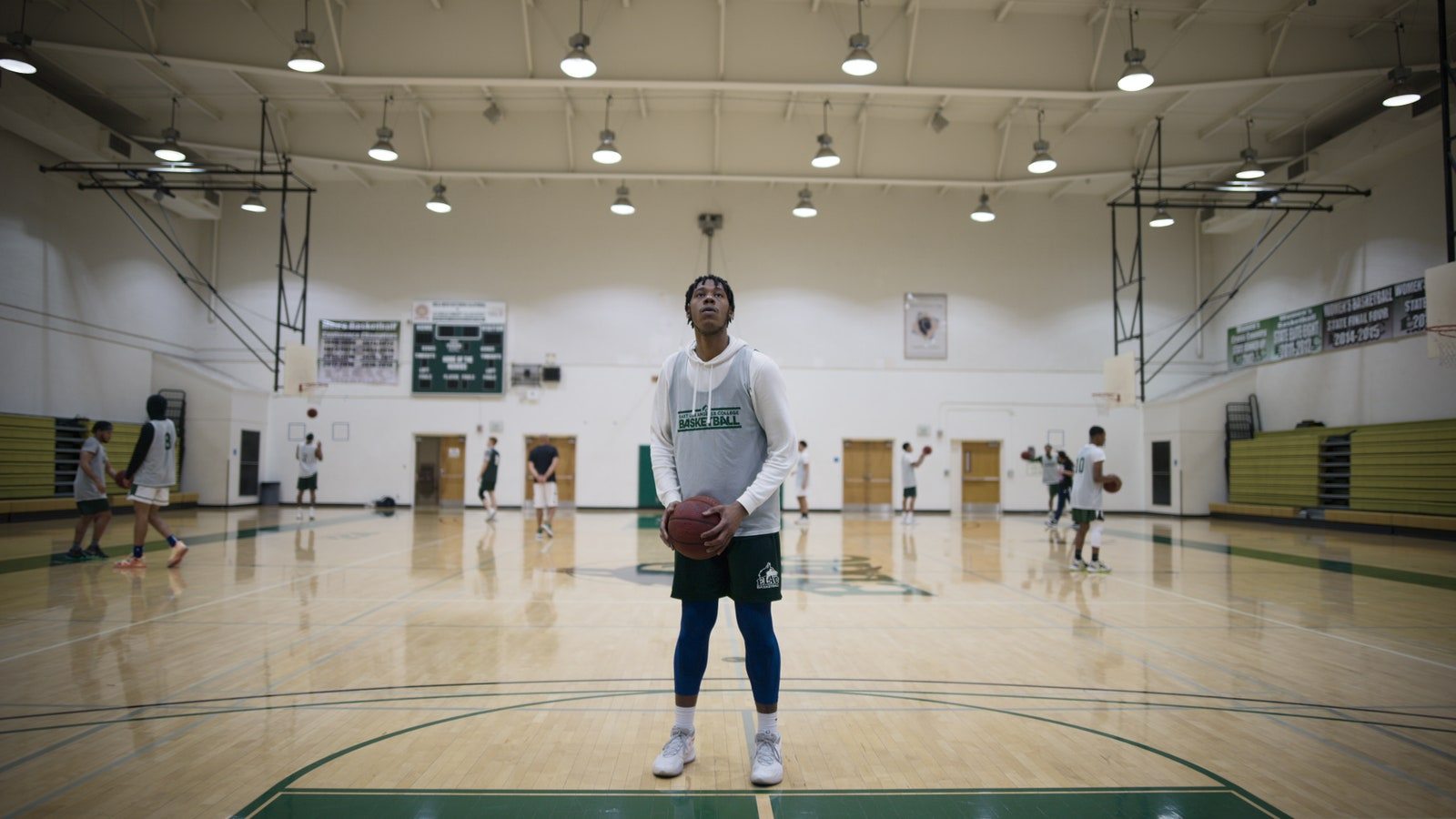 Last Chance U: Basketball Episode 1