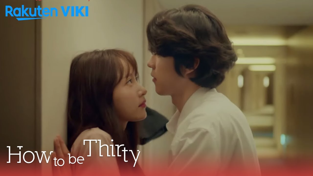 Lee Ran Joo and Hyung Joon Young in How to be ThirtyViki.com