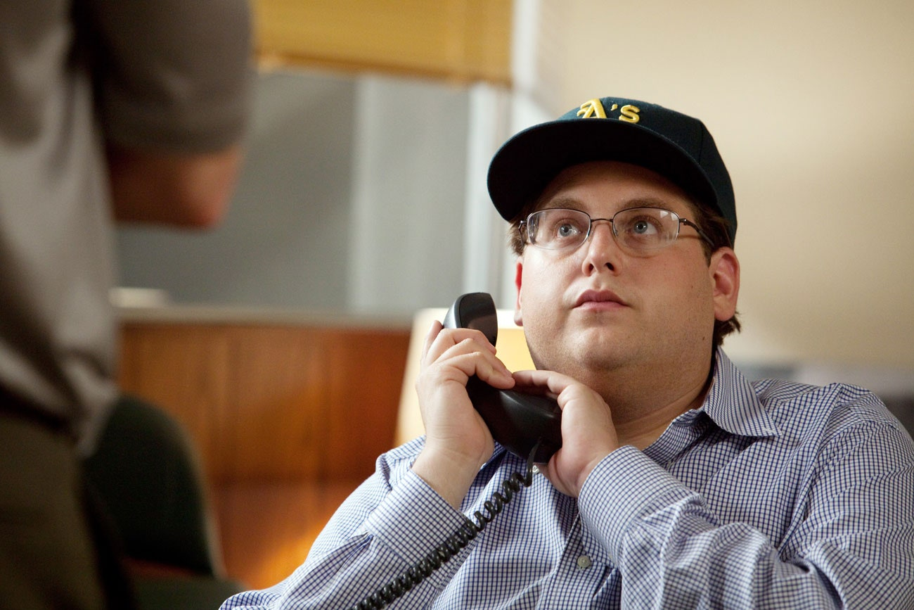 Jonah Hill telephoning someone in the movie'Moneyball'