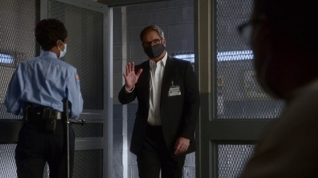 Looking At Bull S05E12