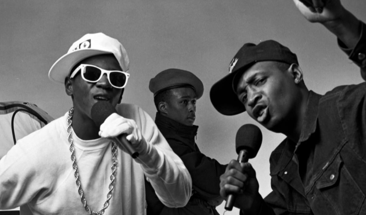 Picture of Flavor Flav and chuck D rapping