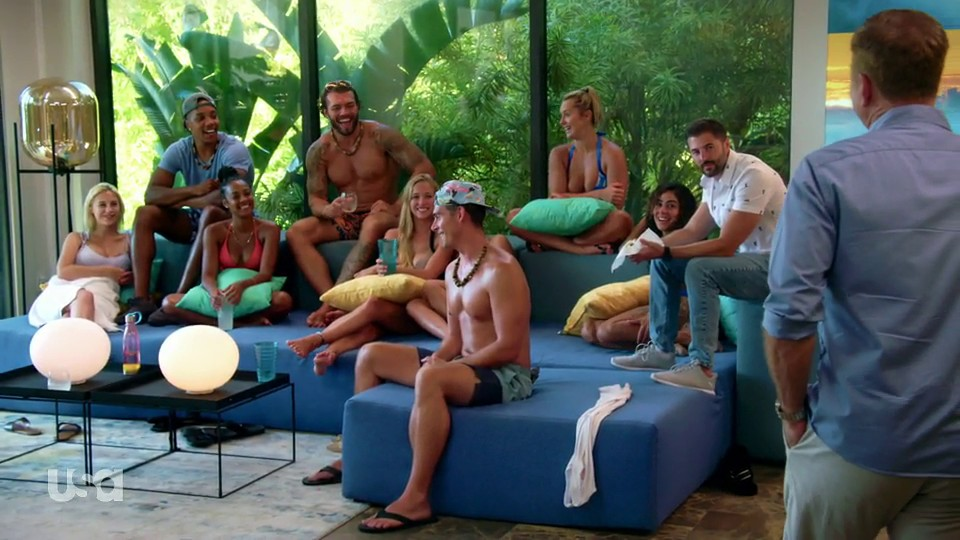 Mark Walberg Calls For Tense Bonfire In Temptation Island S01E08