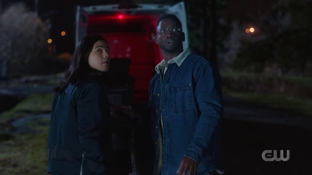 The Flash S07E06 Sees Chester And Cisco Working On A New Device
