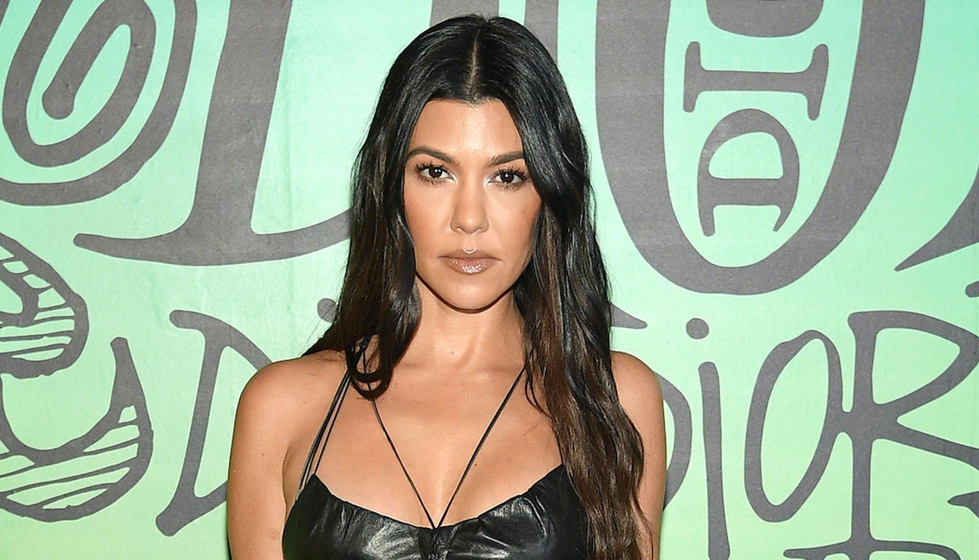 Who is Kourtney Kardashian dating in 2021?