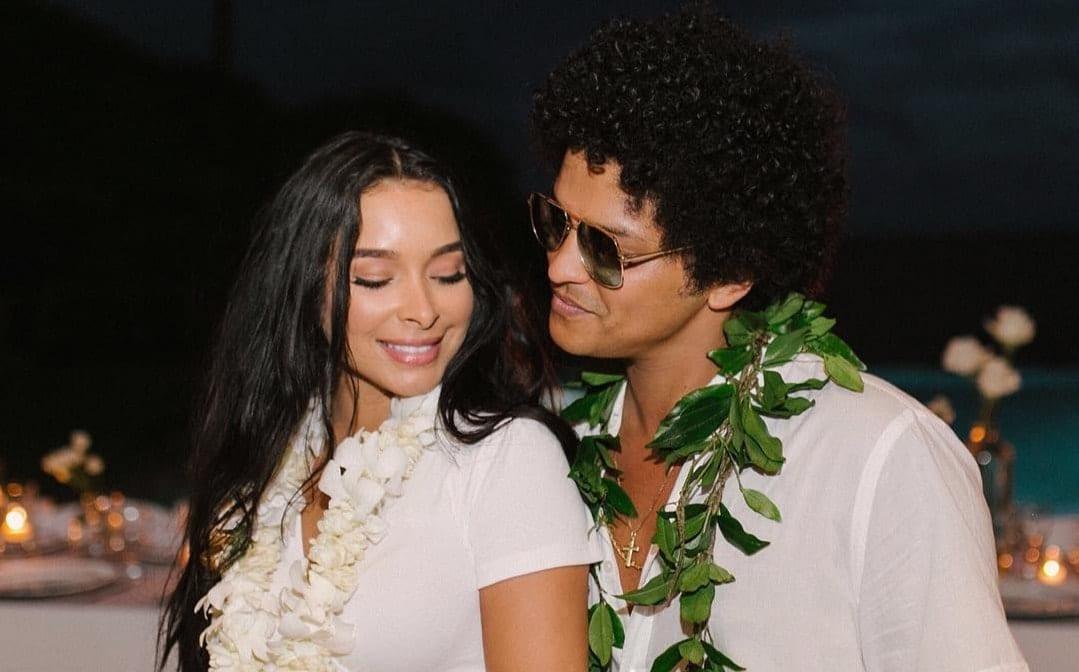 Bruno Mars and Jessica Cabans