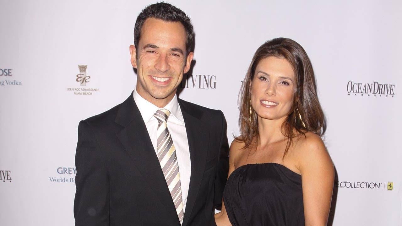 Does Helio Castroneves Has A Wife?