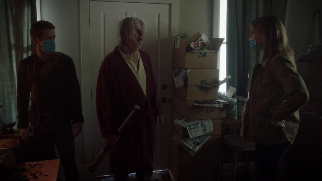 Nic and Conrad Pays a visit to their patient in The Resident S04E12