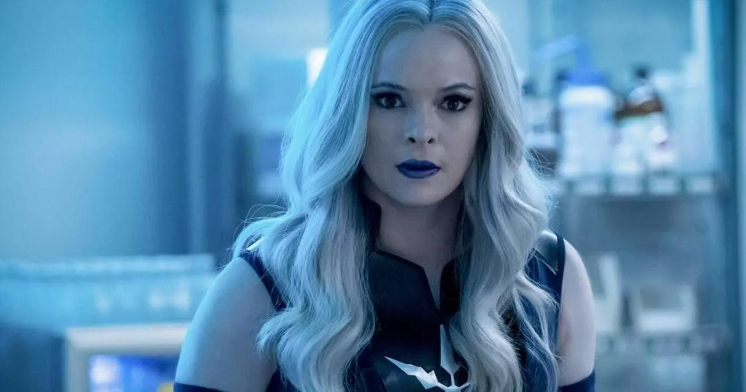 is danielle panabaker leaving the flash