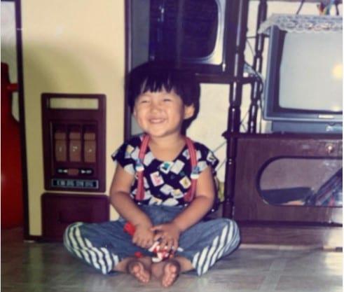actor Kim Seon Ho childhood picture