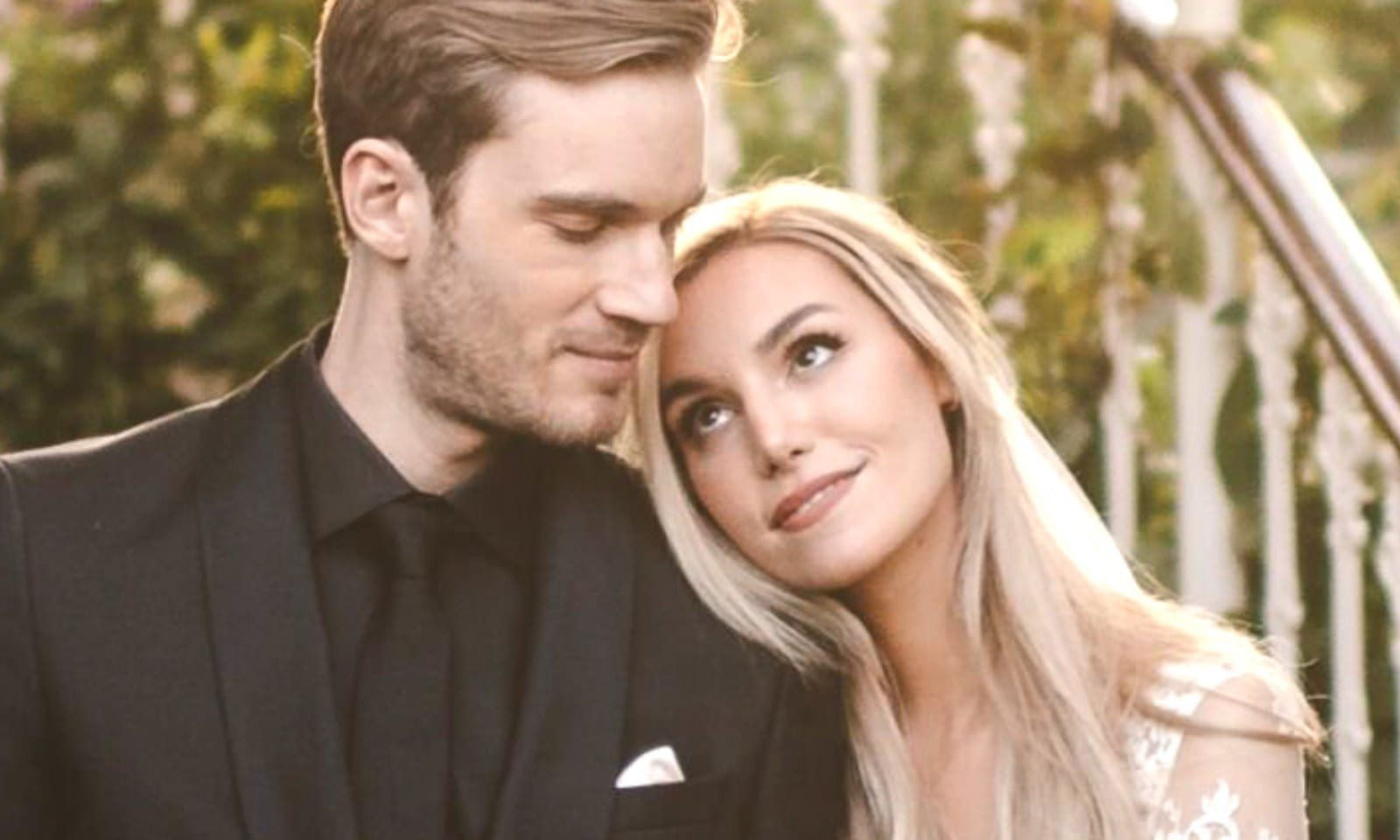 Who Is PewDiePie Dating?