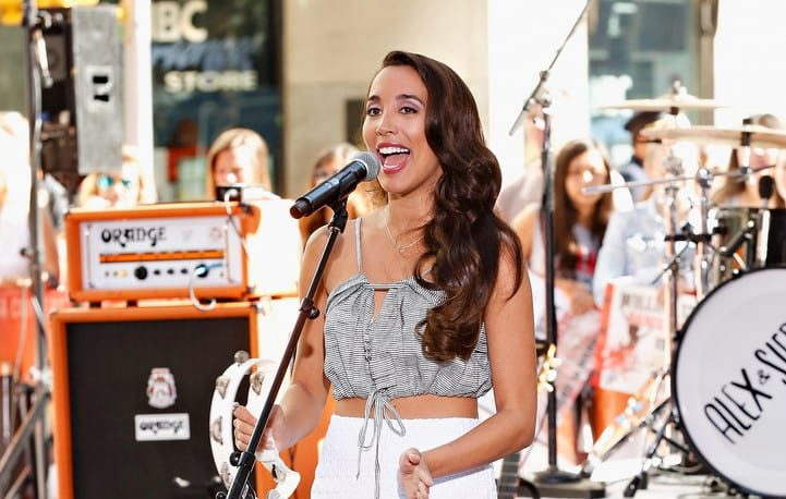 Sierra Deaton's Early Life And Career