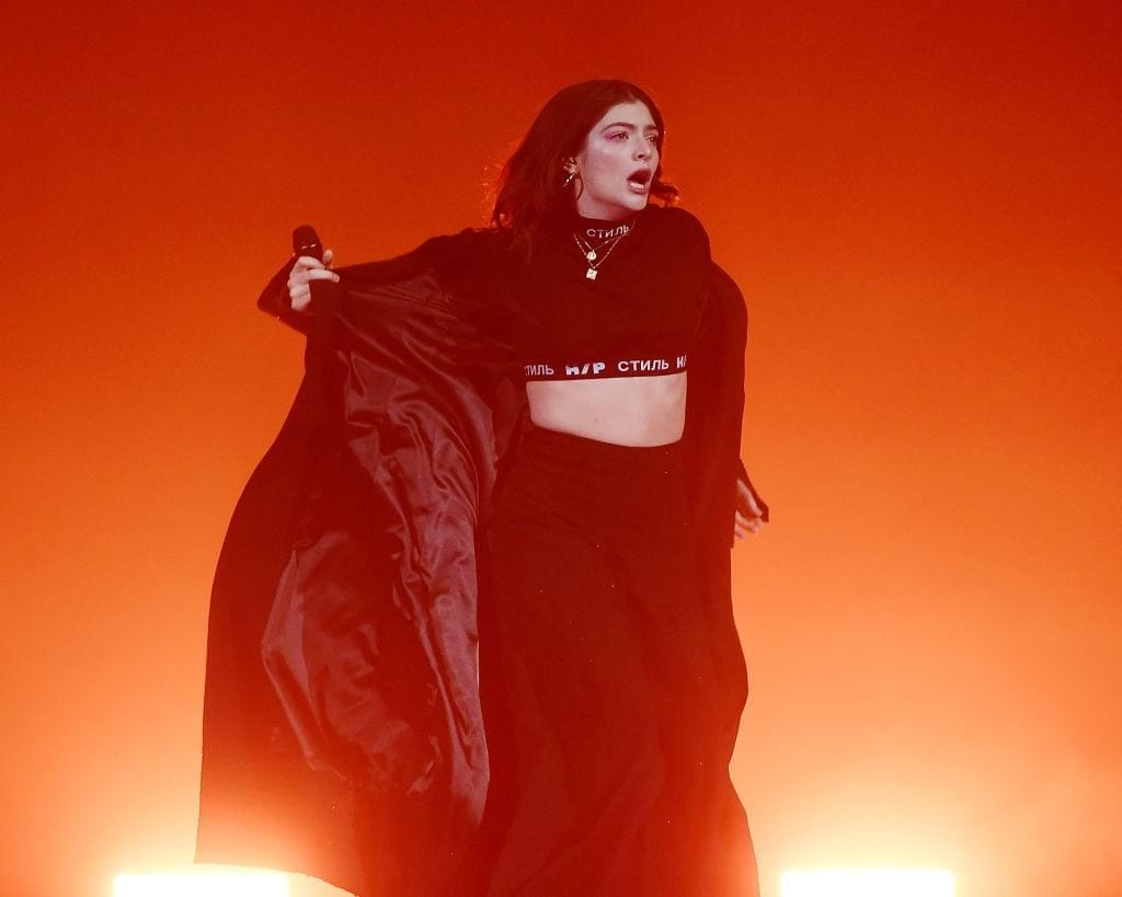 Lorde In The Middle of A Performance