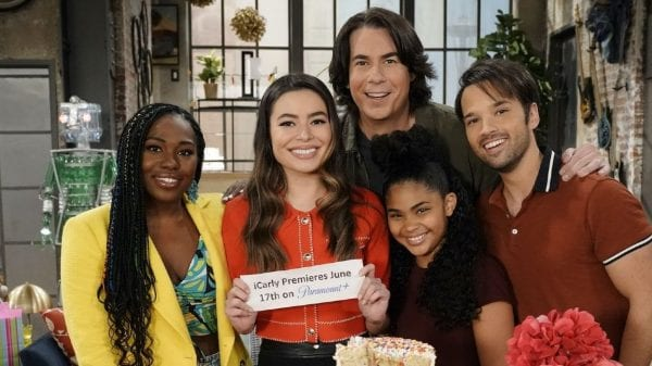 How to Watch iCarly reboot online?