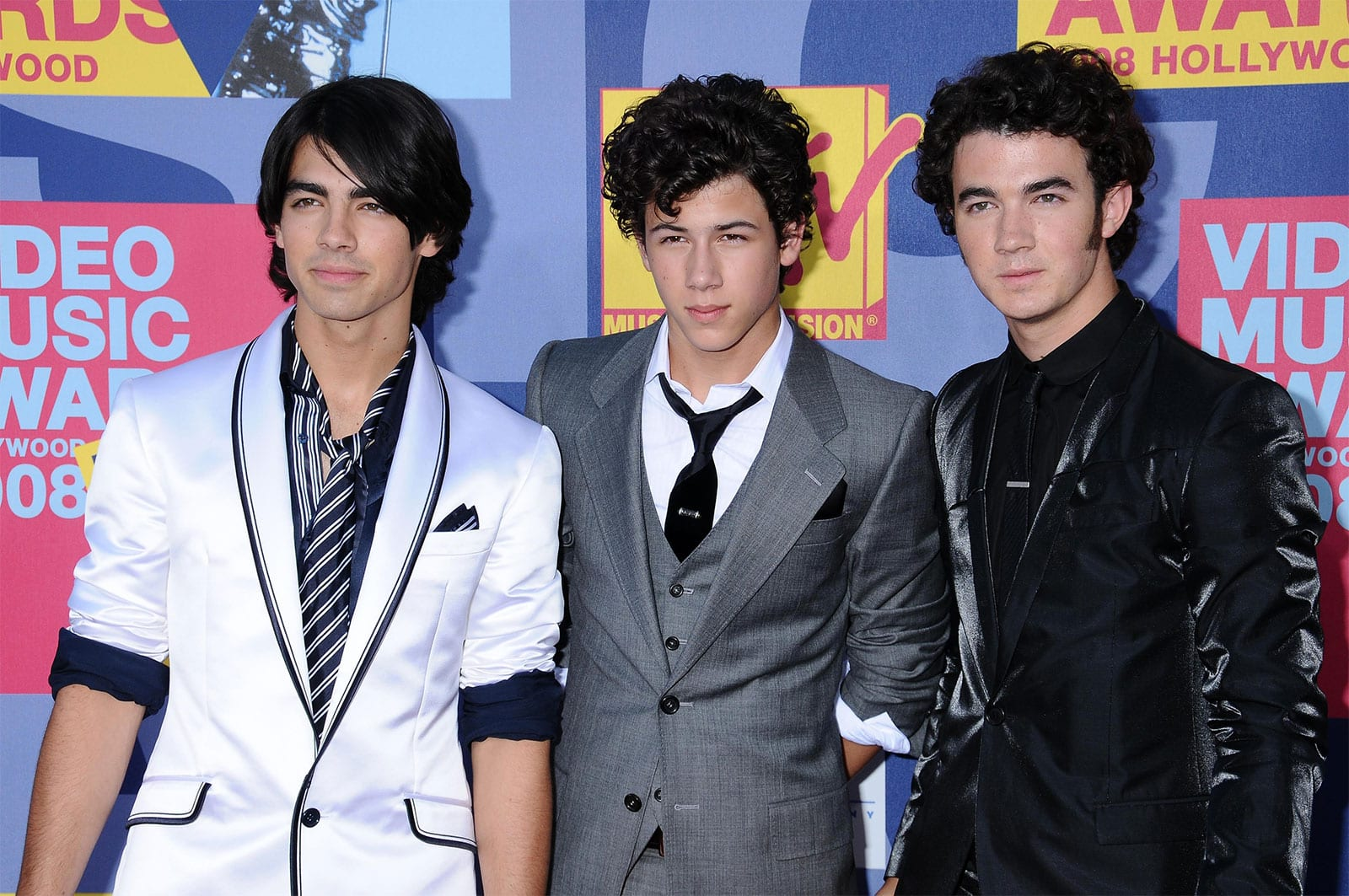 When Did The Jonas Brothers Break Up?
