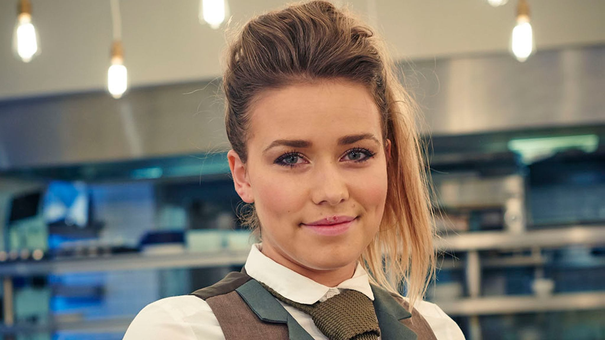 Laura Tott from First Date Announces Engagement on Instagram