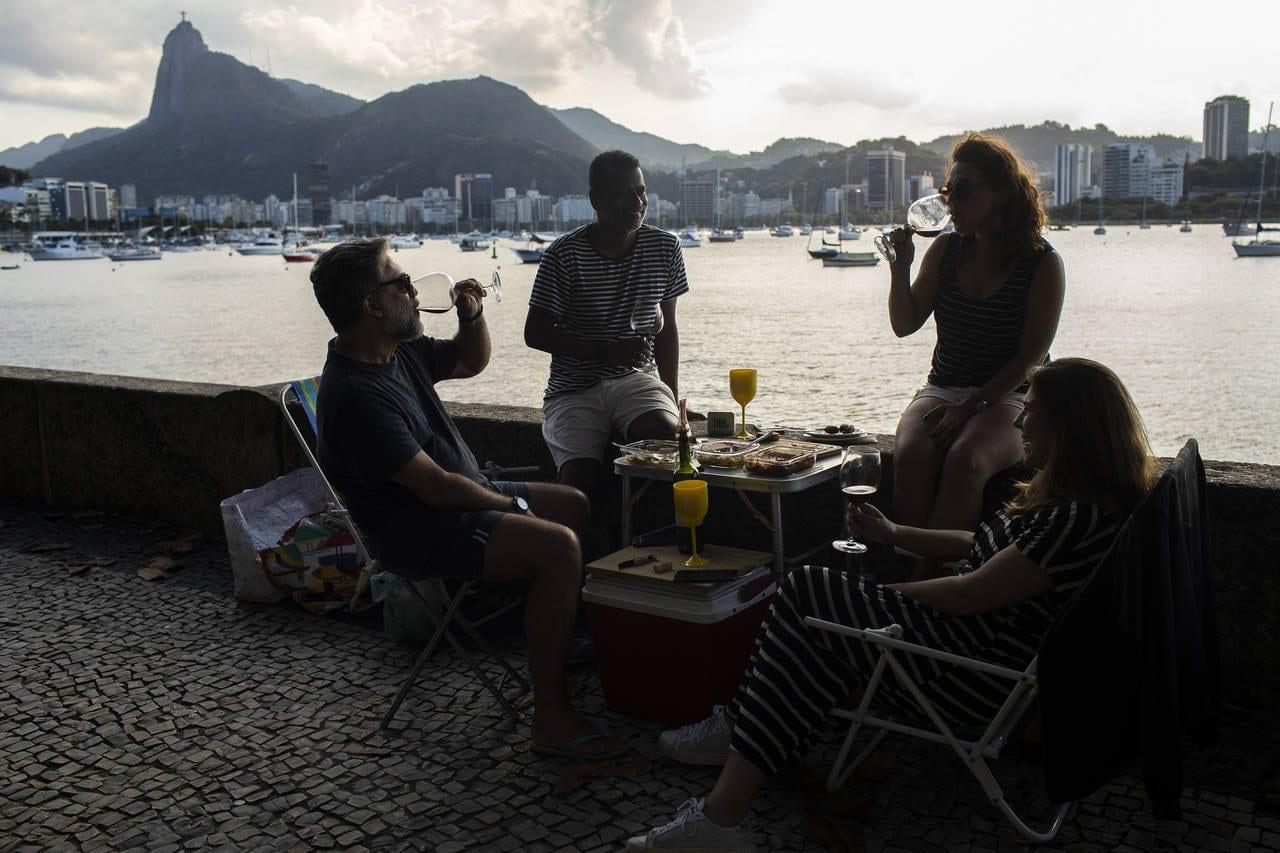 """stills from """"Girl from Rio"""""""