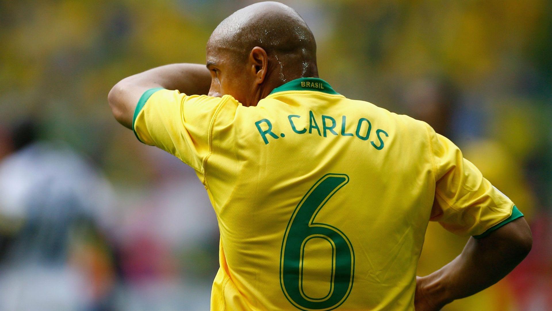 Roberto Carlos Net Worth 2021