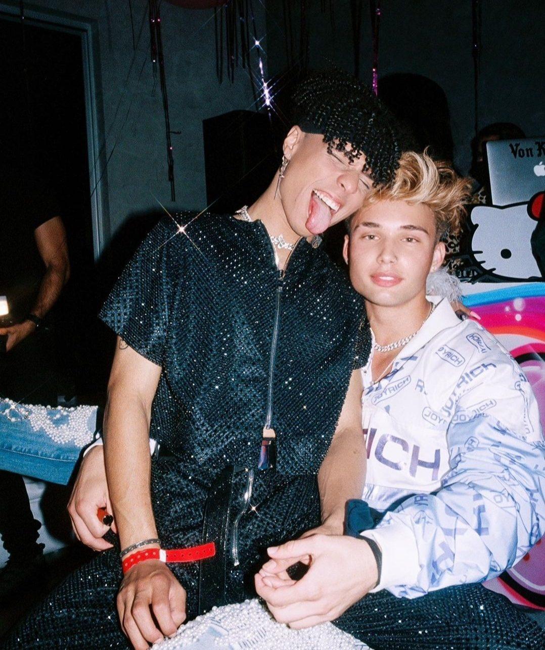 Larray with his boyfriend
