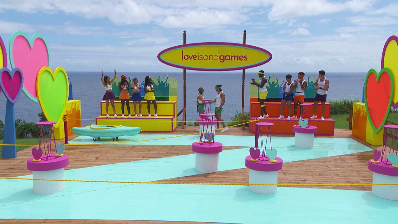 Love Island Games played during S03E13 Of The USA Version