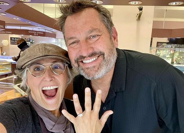 Ricki Lake Was Dating Ross and Is Now Engaged To Him