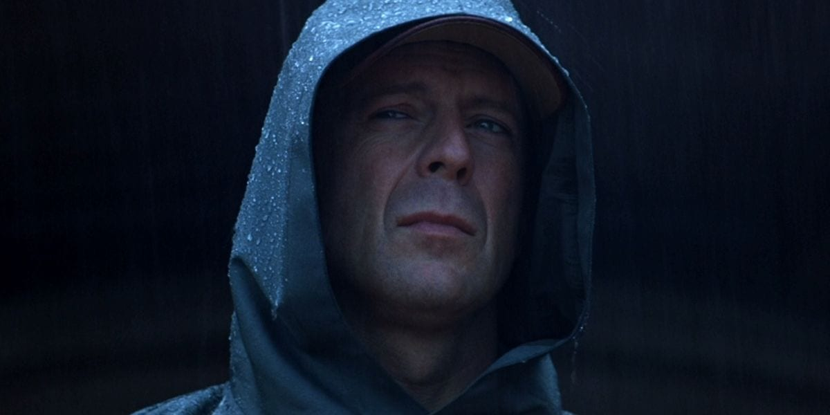 David Becomes The Hooded Superhero In The Ending Of Unbreakable