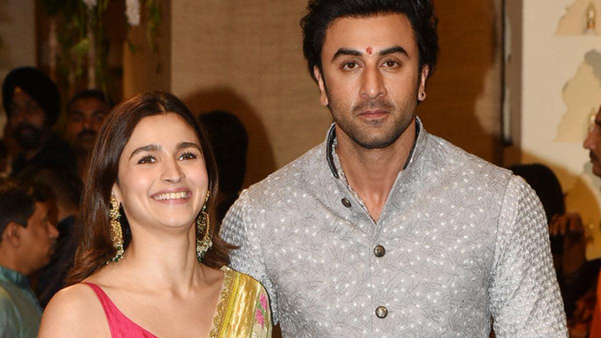 who is actress Alia Bhatt dating?