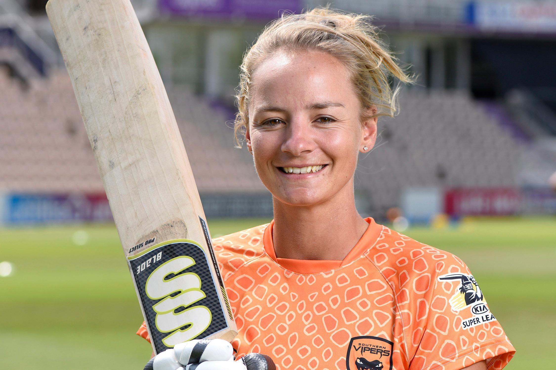 Dani Wyatt Relationship With Indian Cricketers