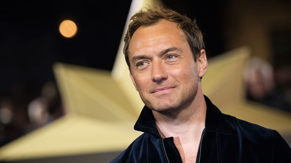 Who is actor jude law dating?