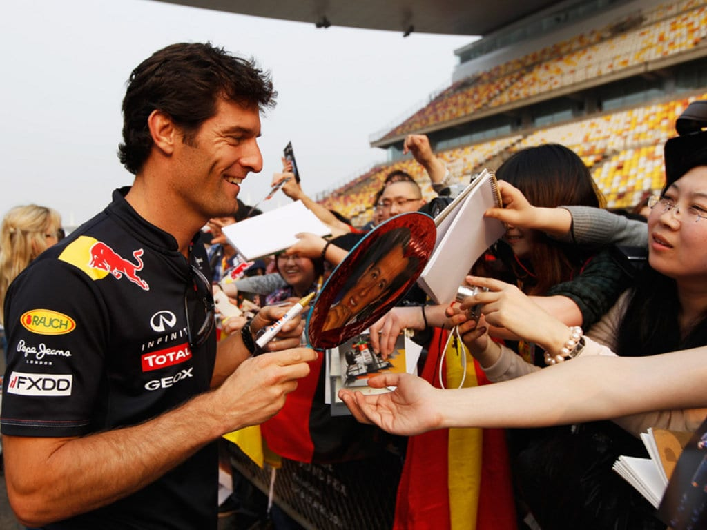 who is the former racer Mark Webber is dating?