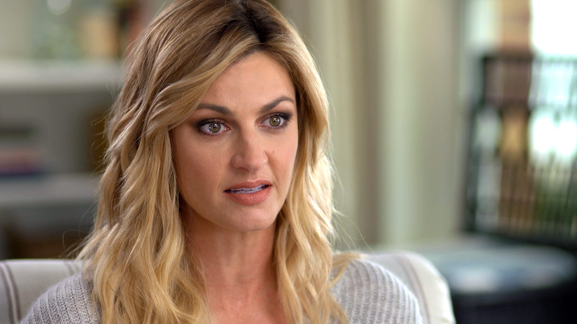 Who Is Erin Andrews Dating?