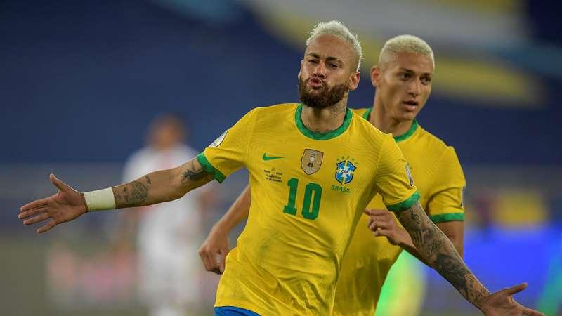 Who is Neymar Dating