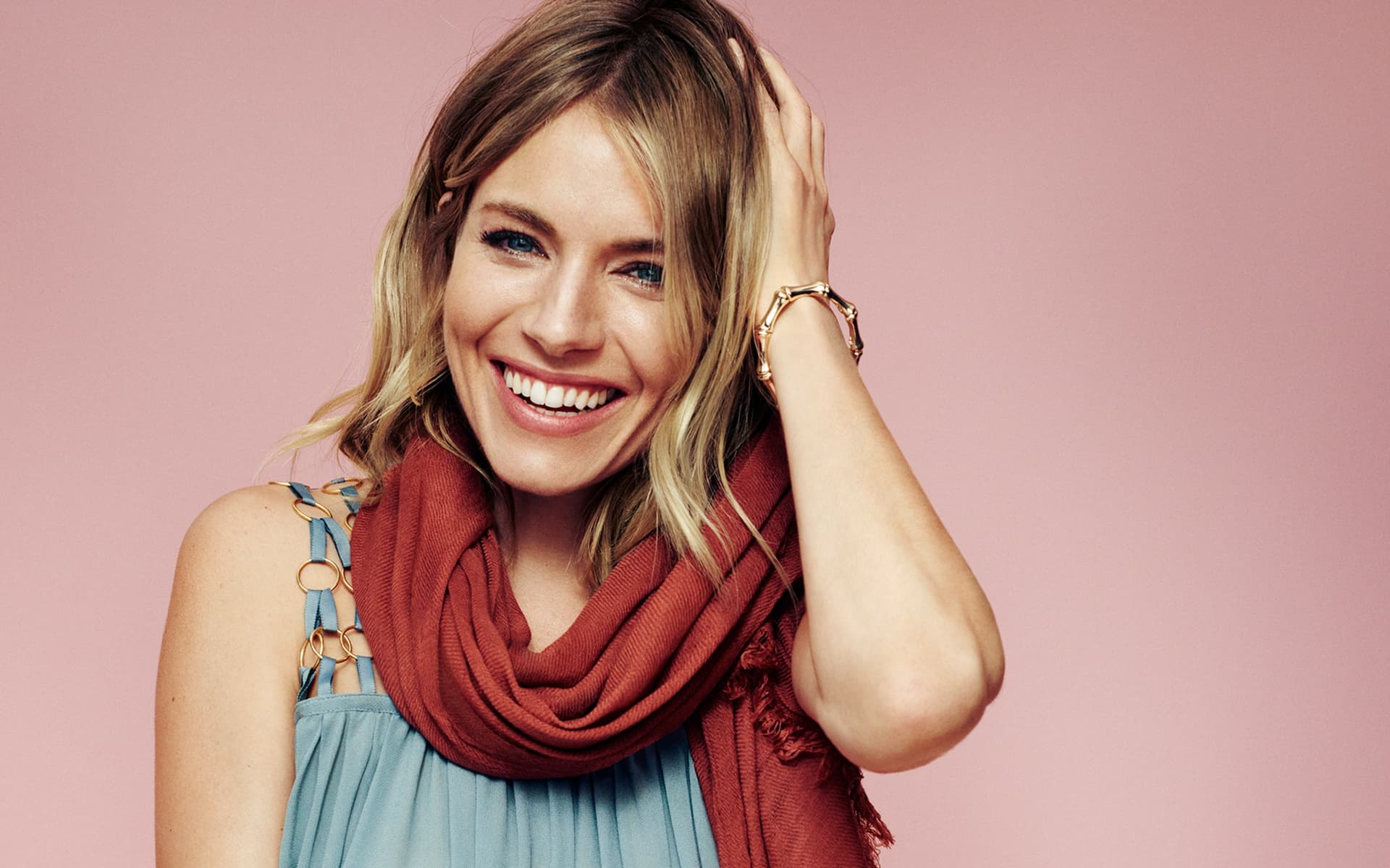 Who is Sienna Miller Dating?