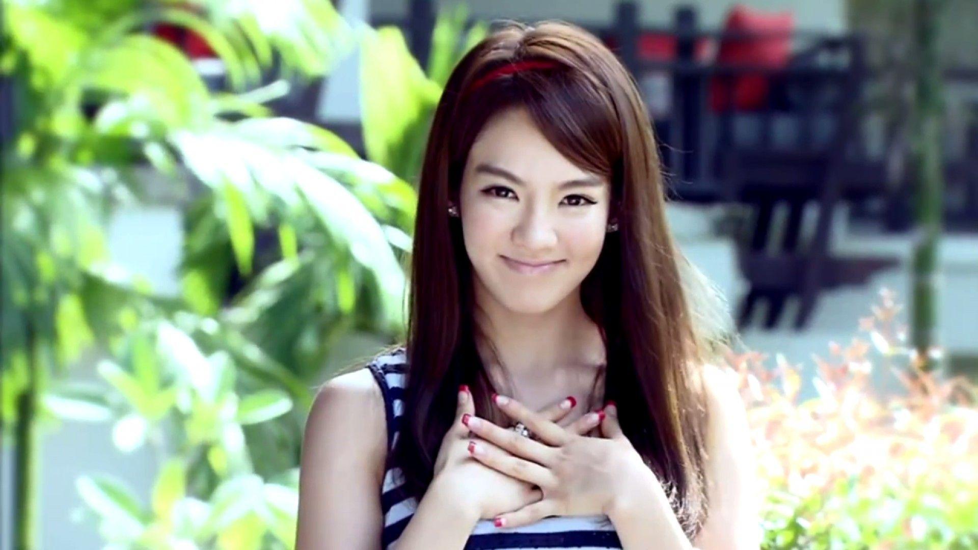Kim Hyo-yeon dating