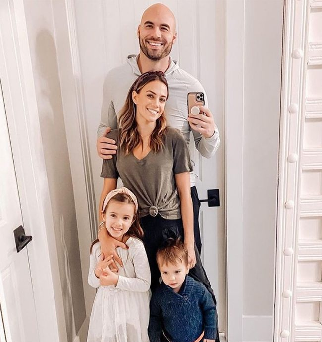 Mike Caussin Dating