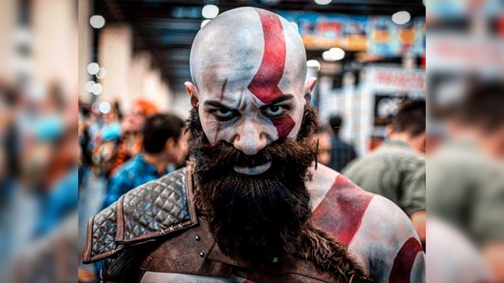 Spartano's Old Kratos cosplay.