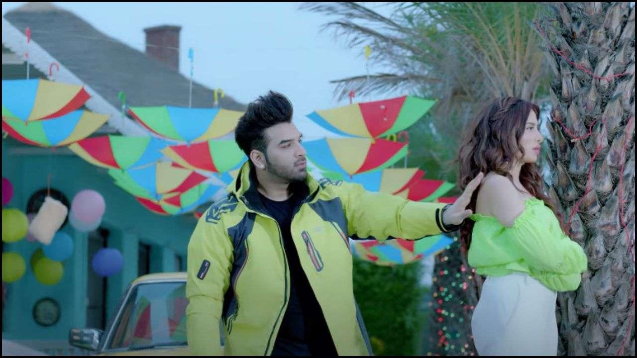 Who Is Mahira Sharma Dating?