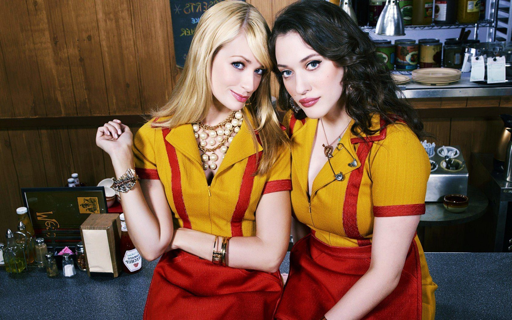 Beth Behrs with Kat dennings in Two broke girls