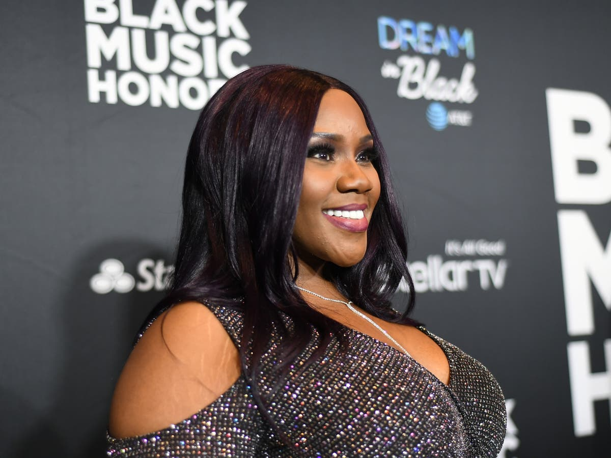 Is Kelly Price Dating Terrell?