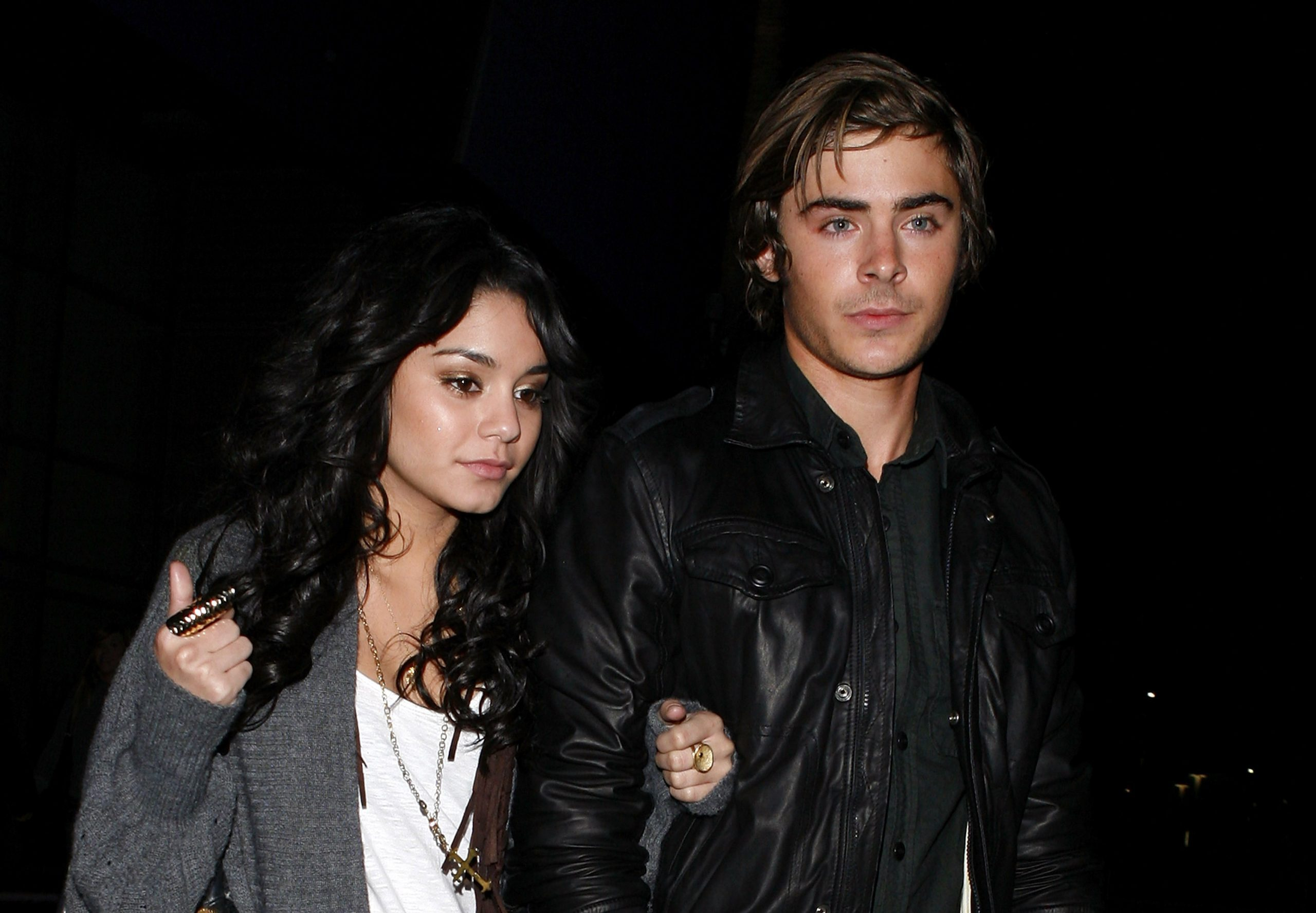 Did Zac Efron And Vanessa Hudgens Dating In Real Life?