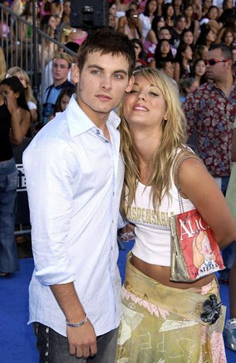 Kaley Cuoco dated Kevin Zegers