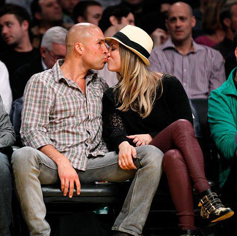 Kaley Cuoco dated Bollinger