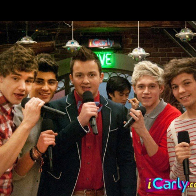 One direction with Noah Munch