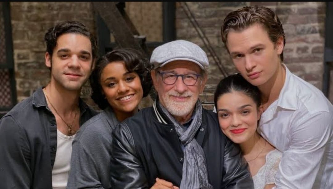 The cast of the West Side Story