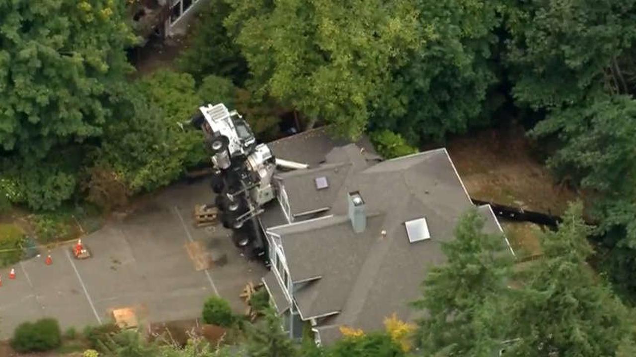 issaquah crane accident