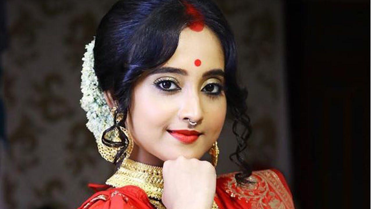 Soumitrisha Boyfriend: Stare At Buzz of Love