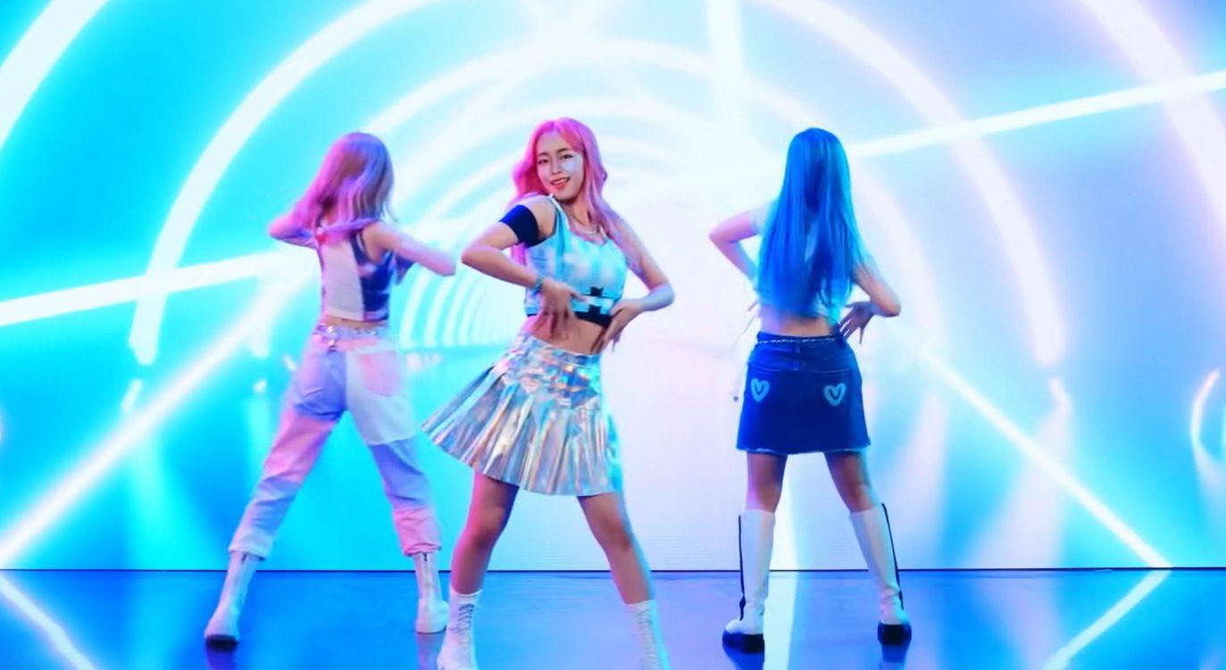K-pop Group Eternity
