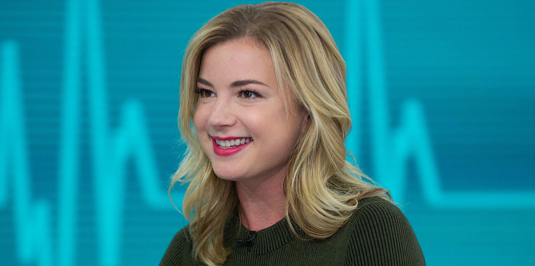 Is Emily Vancamp pregnant in real life